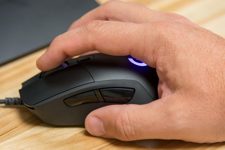 đánh giá chuột logitech g403 form cầm chuột